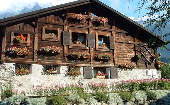 Chalets to Rent in Chamonix
